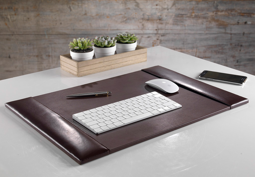 Classic Brown Bonded Leather Desk Pad 76cm Large Size Zale Yardley